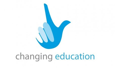 Outsmart Changing Education logo